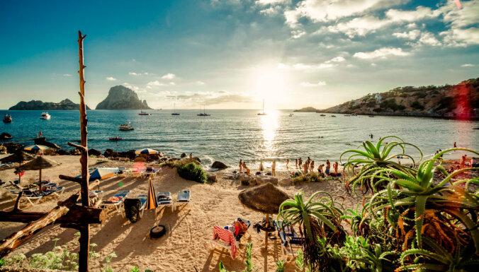 15 горячих пляжей, где отдыхают самые богатые и знаменитые