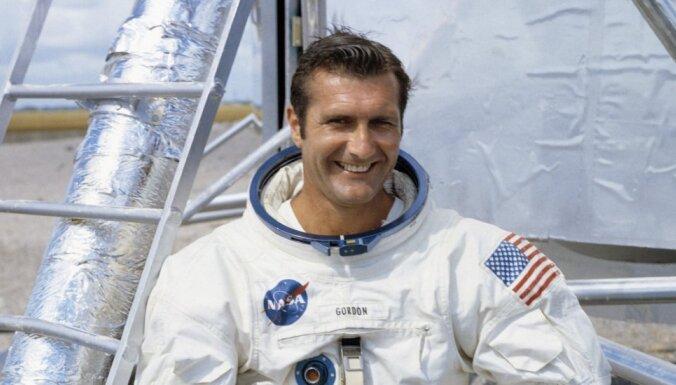 Умер американский астронавт Гордон, совершивший полет вокруг Луны