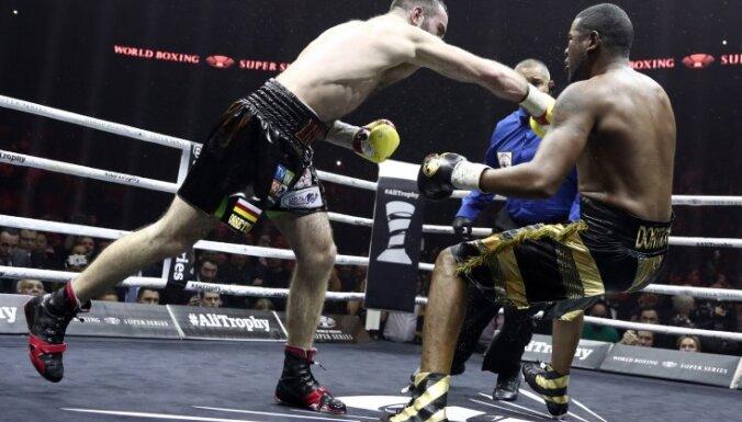 ФОТО, ВИДЕО: Гассиев нокаутировал Дортикоса и стал вторым финалистом WBSS