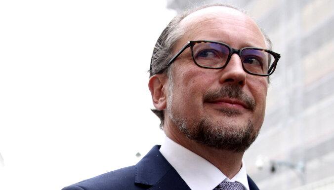 Kurcu Austrijas kanclera amatā nomainīs Šalenbergs