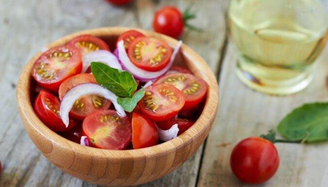Sārtie un sulīgie tomāti - salātos, zupās, sacepumos un ne tikai