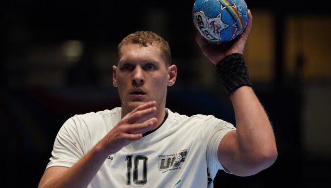 Krištopānam seši vārti 'Vardar' zaudējumā līderiem handbola Čempionu līgā Ķīlē