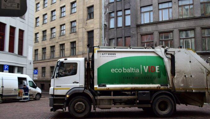 """""""Цены взлетят до небес"""": торговцы боятся резкого роста тарифов на вывоз мусора в Риге (дополнено)"""