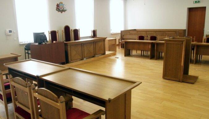 Gadiem ilgā tiesāšanās beigusies ar pierādījumu viltošanā apsūdzētu Balvu policistu attaisnošanu