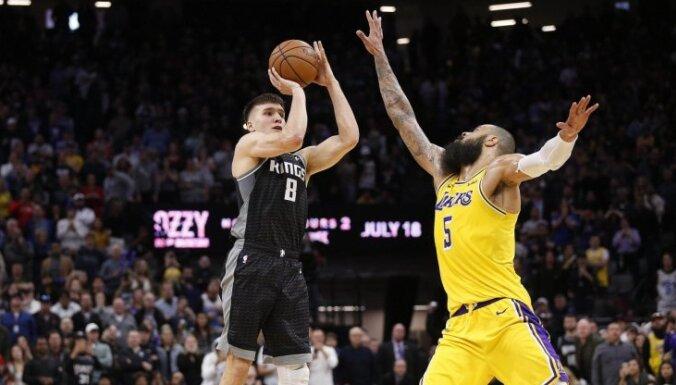 Video: Pēdējo sekunžu metieni sekmē 'Trail Blazers' un 'Kings' uzvaras pār 'Warriors' un 'Lakers'