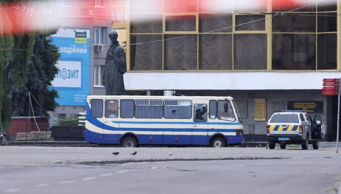 Захват автобуса в Луцке: Что надо знать о злоумышленнике и освобожденных заложниках