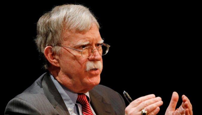 Tramps nav piemērots prezidenta amatam, uzskata Boltons