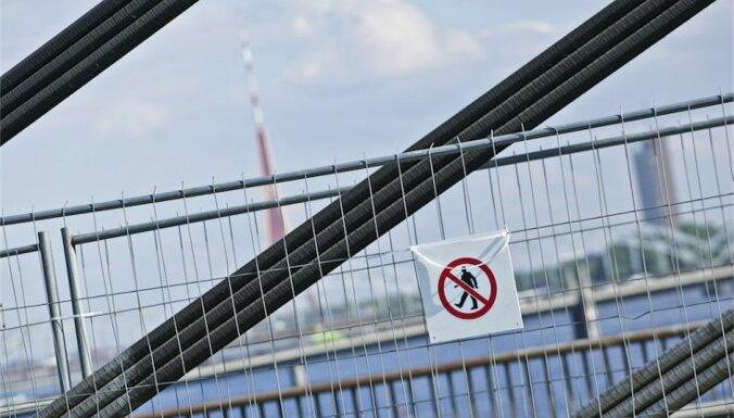 Ушаков не обещает полностью защитить Вантовой мост от высотников-любителей