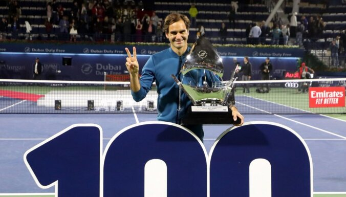 Легенда тенниса Федерер выиграл сотый титул в карьере