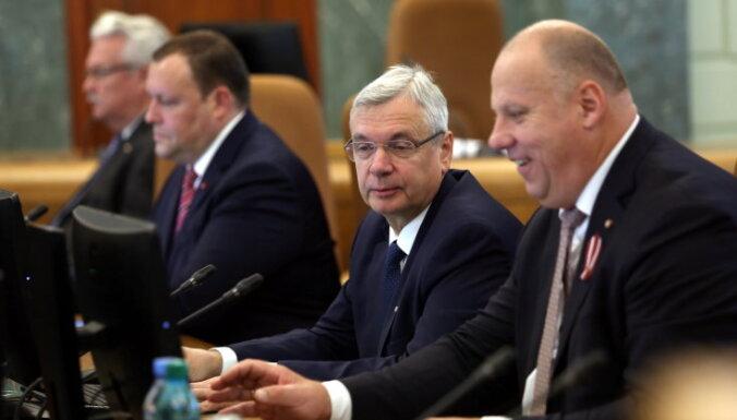 """Кучинскис на последнем заседании нынешнего правительства назвал его """"выдающимся"""""""