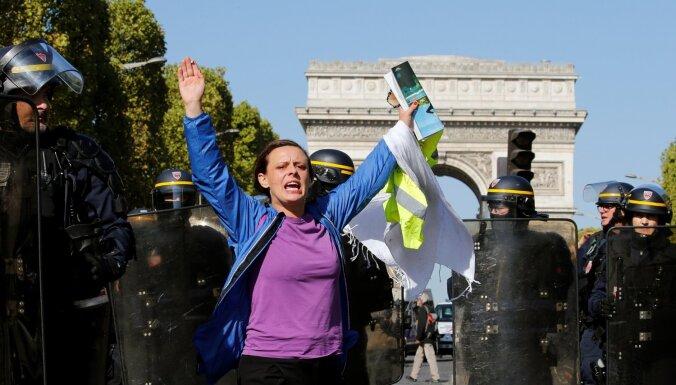 Parīzē gaidāmo protestu dēļ izvērsti stingri drošības pasākumi