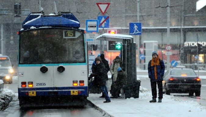 Trešdien Rīgā atkal spēkā būs 'puteņa biļetes'
