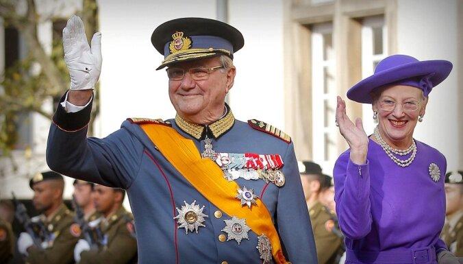 Dānijas princis Henriks pēc ceļojuma Ēģiptē nogādāts slimnīcā
