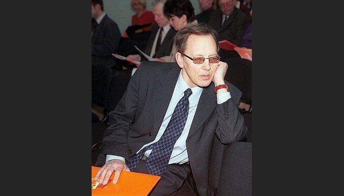 Neizdodas atsaukt Kiršteinu no Saeimas Ārlietu komisijas