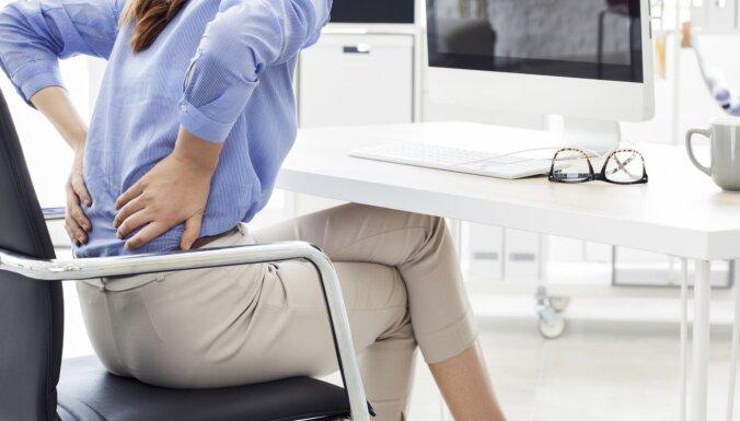Теннис в офисе и беговые дорожки с компьютерами. Как эксперты предлагают бороться с длительным сидением