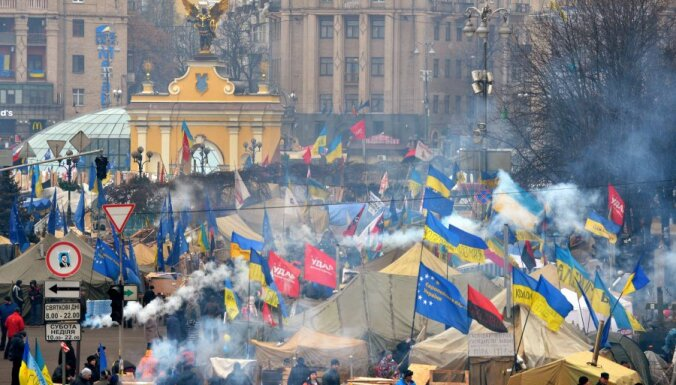 В Киеве разблокирован проезд к Майдану, Янукович снизил тарифы ЖКХ