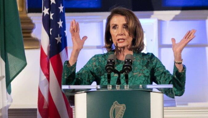 Pelosi: ASV-Lielbritānijas tirdzniecības līguma nebūs, ja 'Brexit' apdraudēs 'Lielās piektdienas' vienošanos