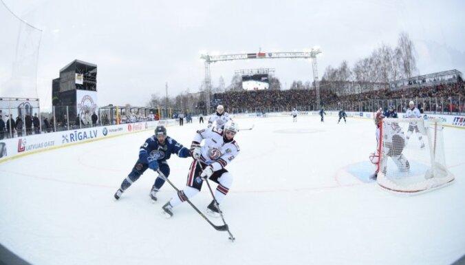 Rīgas 'Dinamo' arī nākamajā sezonā grasās aizvadīt maču zem klajas debess