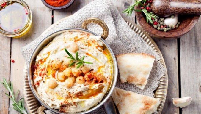 Mājās gatavots humuss – padomi ideālam uzkodu smēriņam