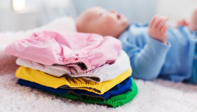 Tukšāka miskaste un dabai draudzīgāk: mazgājamo autiņbiksīšu plusi un mīnusi