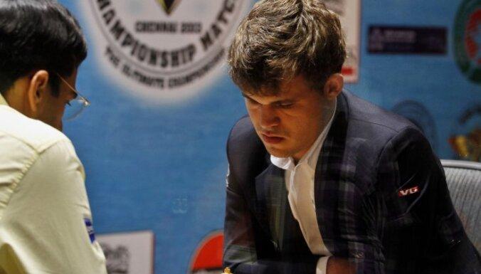Карлсен стал чемпионом мира еще и по быстрым шахматам