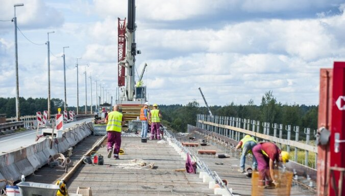 Šonedēļ plašākie ceļu remontdarbi gaidāmi uz Ventspils šosejas