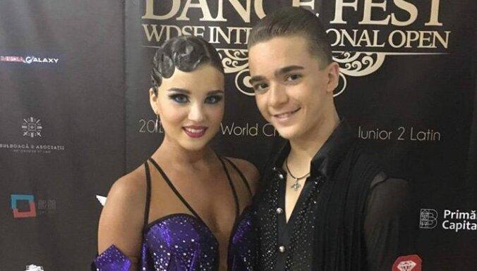 Latvijas sporta deju pāris atkal iekļūst pusfinālā pasaules čempionātā