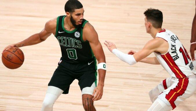 'Celtics' atspēlējas un Austrumu konferences finālā panāk sesto spēli
