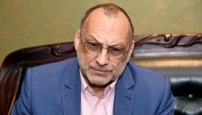 Par dalību 40 miljonu eiro nodokļu nemaksāšanas shēmā aiztur ekspolitiķi Inkēnu