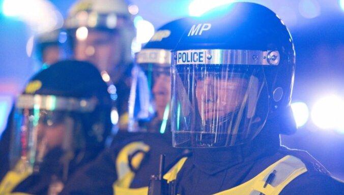 Новый закон в Британии: что полиция теперь сможет делать с протестующими?