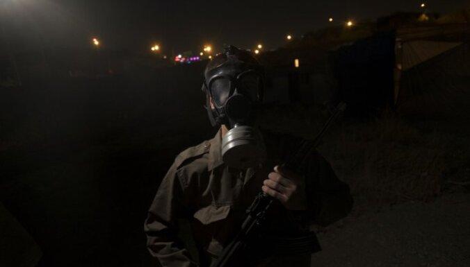 ASV apsūdz Irānu ķīmisko ieroču ražošanā; kopā ar Krieviju izpalīdzējusi arī Asadam