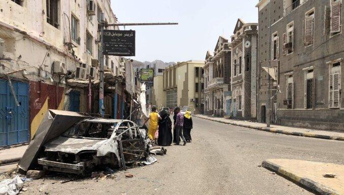 Sadursmēs Adenā nogalināti 40 cilvēki un 260 ievainoti