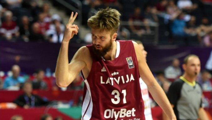 Latvijas basketbola izlasei PK kvalifikācijas spēlēs septembrī nepalīdzēs vairāki līderi