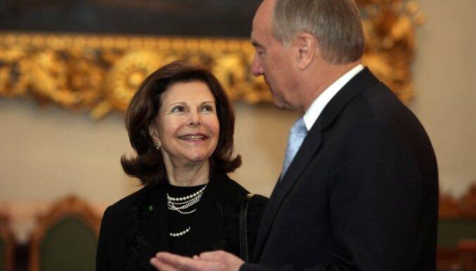 Fotoreportāža: Rīgā viesojas Zviedrijas karaliene Silvija