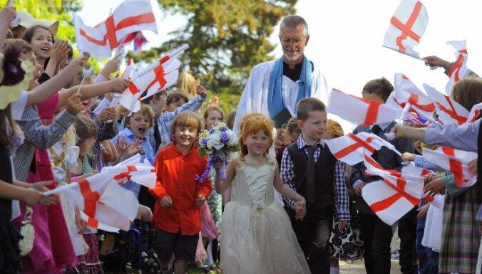 В британской школе мальчикам разрешили ходить в юбке
