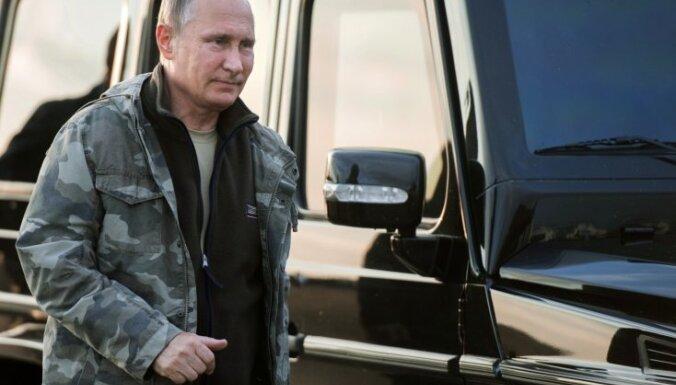 Putins aicina pastiprināt Krievijas aizsardzību