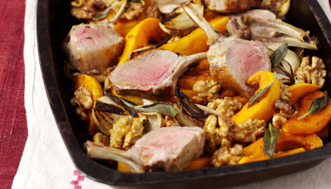 Krāsnī cepts sviesta ķirbis ar jēra gaļas kotletēm