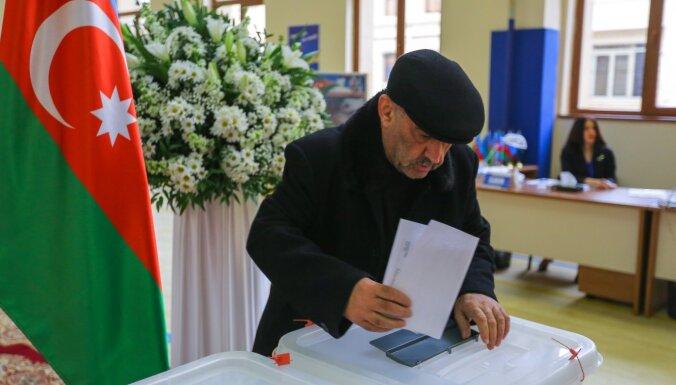 """В списке """"лженаблюдателей"""" на выборах оказались пятеро латвийских политиков"""
