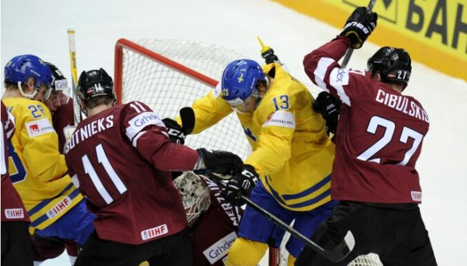 Latvijas hokejistu nākamā pretiniece – pārbaudes spēlēs uzvarētā Zviedrija
