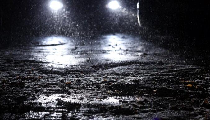 В ночь на четверг ожидается снег, дороги обледенеют