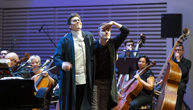 Foto: Ar stāvovācijām 'Lielajā dzintarā' izskanējis LSO un 'Instrumentu' koncerts