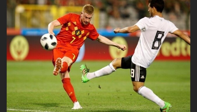Beļģijas izlasei pirmajā spēlē nevarēs palīdzēt de Brujne un Vitsels