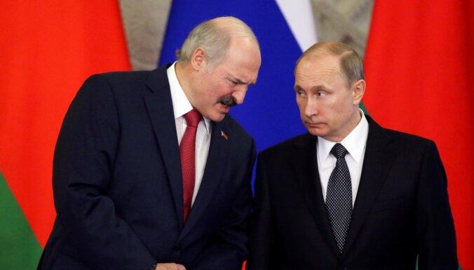 Kremlis: Lukašenko un Putins tiksies Maskavā