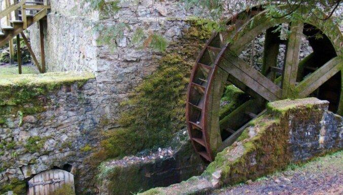 Alpakas, ūdenskritumi, nacionālo partizānu bunkurs un taka – maršruts izbraucienam gar Amatu