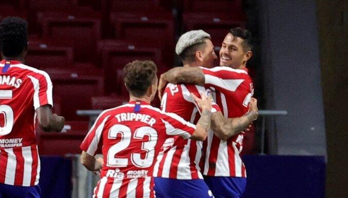 Madrides 'Atletico' pakāpjas uz trešo vietu Spānijas futbola čempionātā