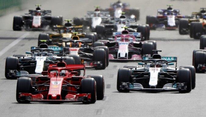 Satricināts braucēju tirgus, izmaiņas regulējumos un cerība par sīvākām cīņām – sākas jaunā F-1 sezona