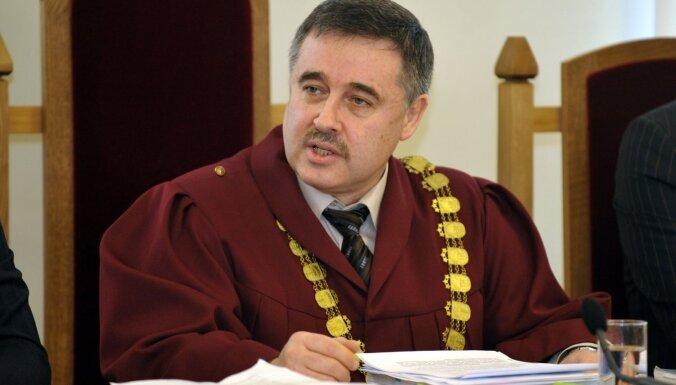Lemberga krimināllietas izskatīšanu vairs nevadīs priekšsēdētājs Boriss Geimans