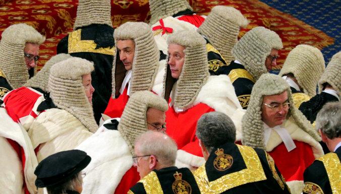 Apsver Lordu palātas pārcelšanu ārpus Londonas