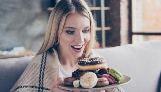 """""""Бомба"""" для желудка: диетологи рассказали о полезных десертах"""