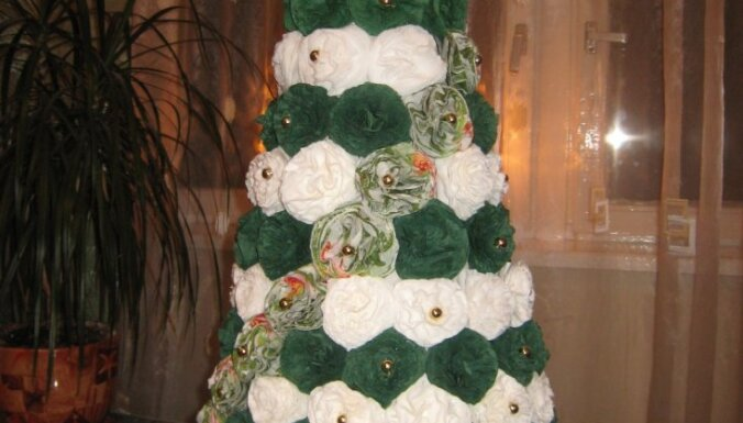 Oriģinālākais svētku rotājums - Irēnas papīra egle